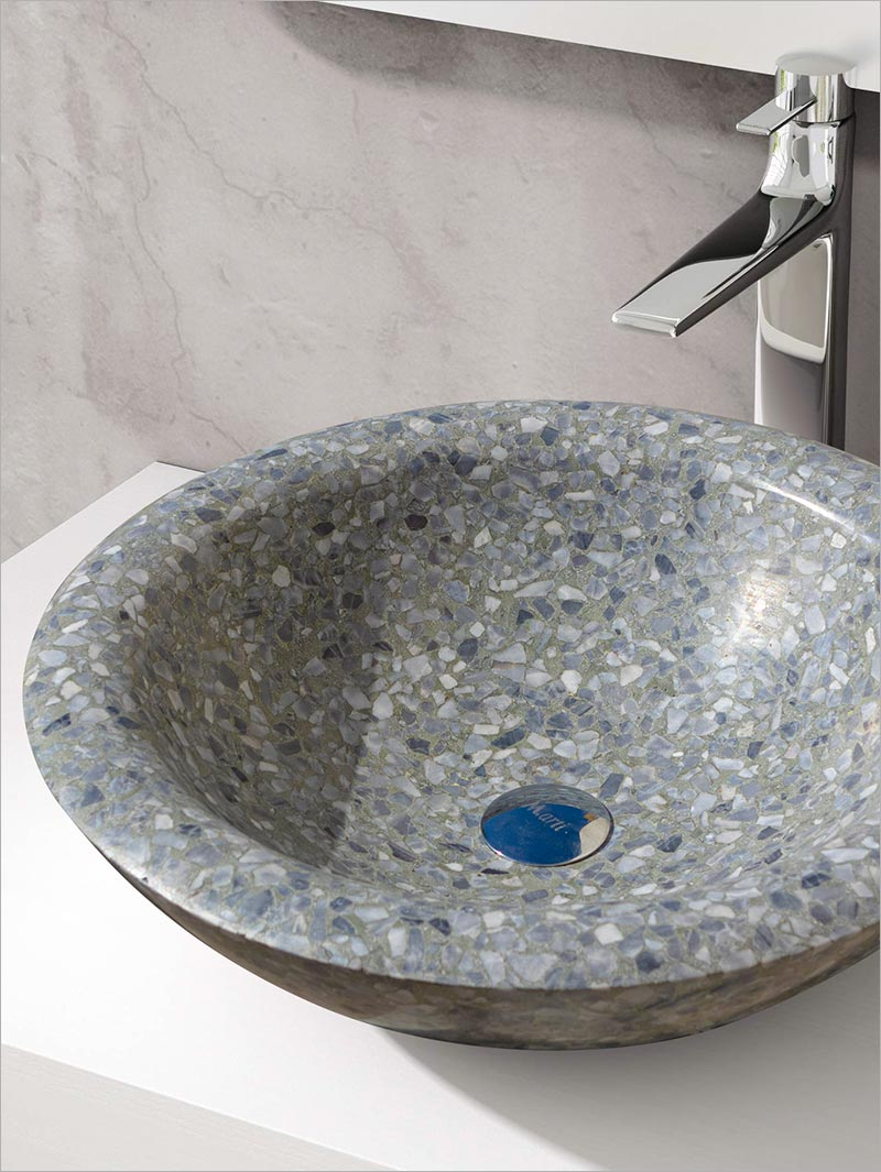 Washbasin moulded in Terrazzo and sculpted according to your measurements