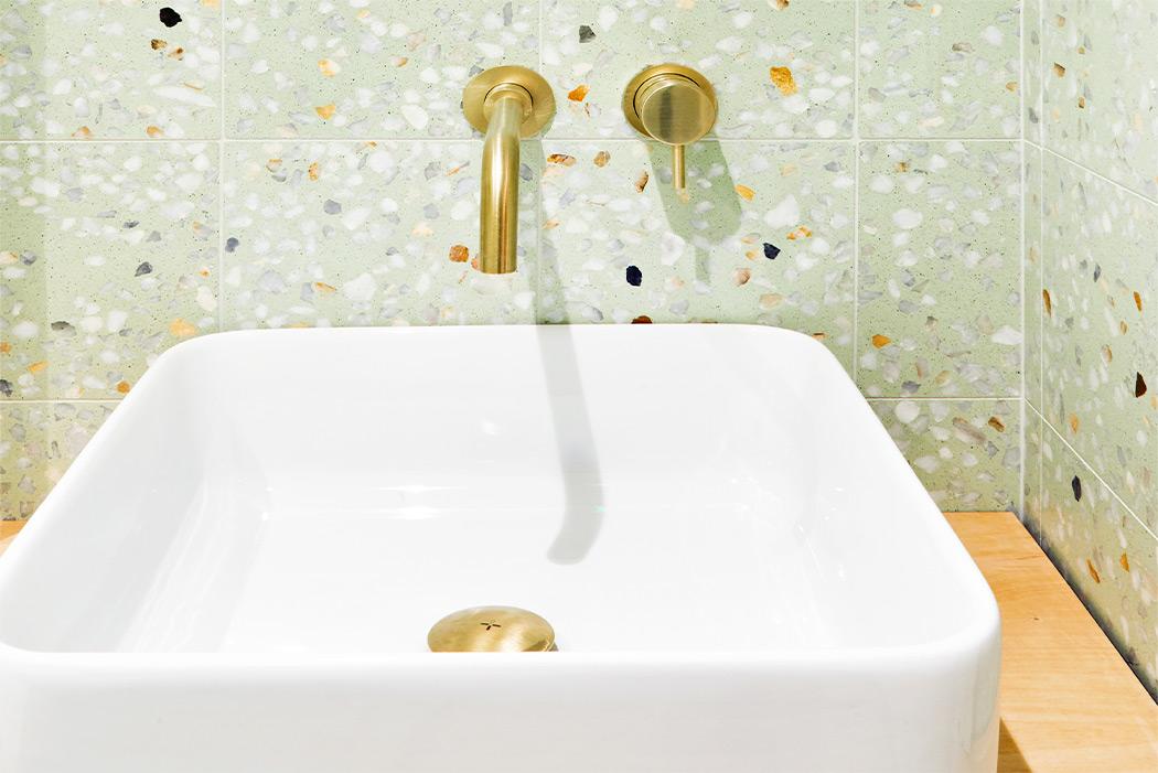 Sink backsplash in Terrazzo Marble 5 ref. 505